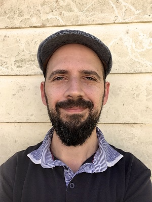 Peter Carnavas